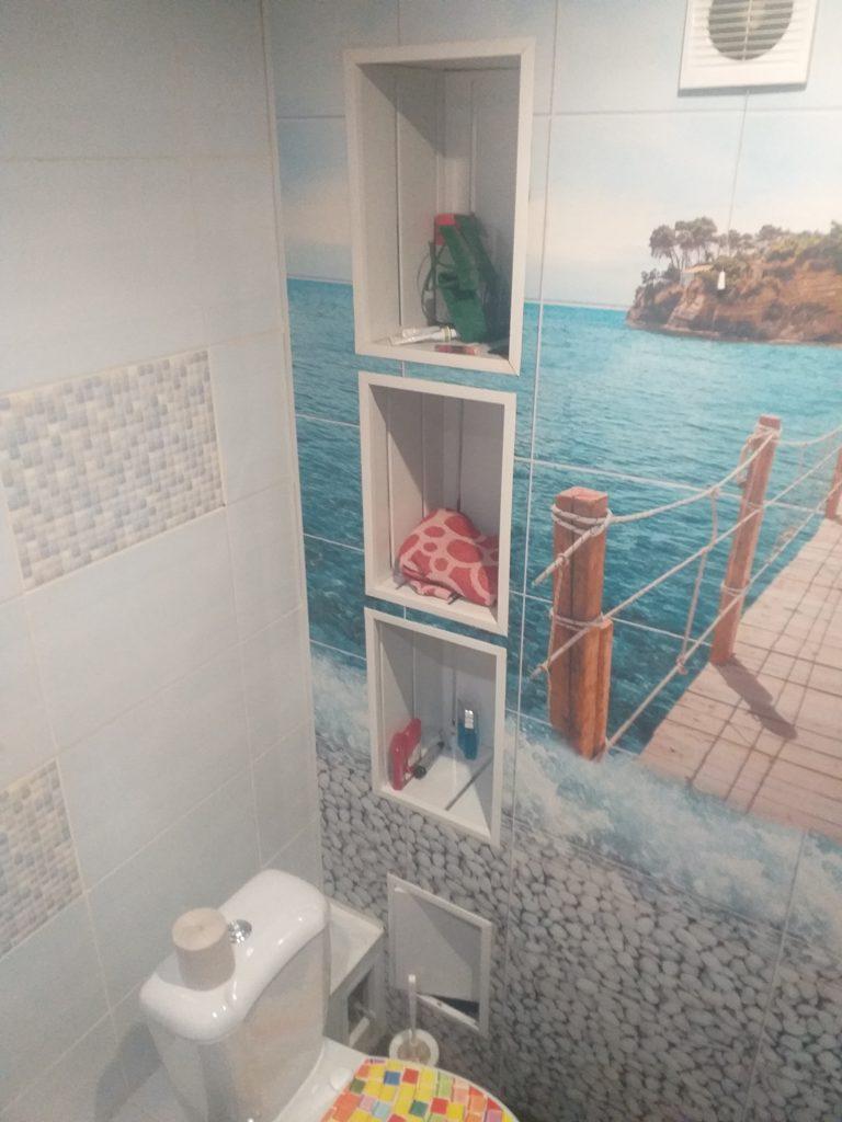 открытые полки в туалет