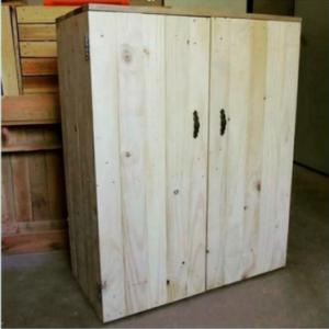 шкафчик из мебельного щита