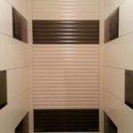 шкаф с рольставнями в туалет