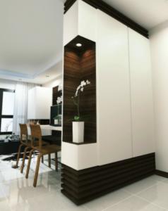 Распашной шкаф для разделения комнаты